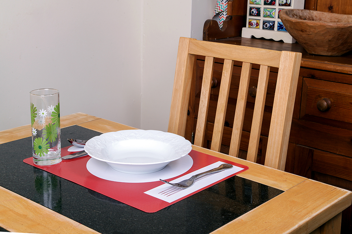 platzmat red place setting for dementia