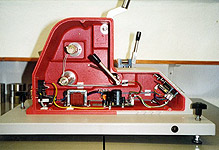 Elmendorf textile tearing machine